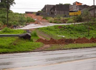 Motoristas desrespeitam fechamento do DER no acesso ao Bairro Pedro Fumachi