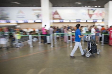 Relatório pede cobrança por peso em aeroportos