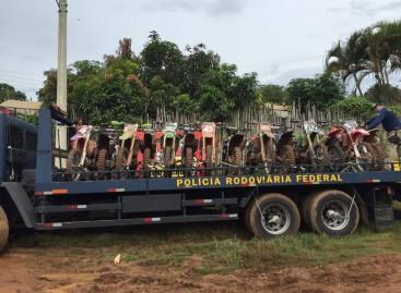 Receita Federal apreende mais de 40 motos de corrida em Atibaia