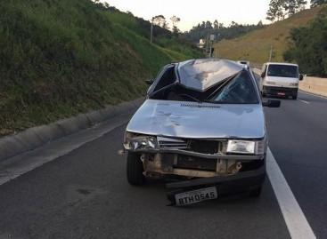 Carro atropela dois ciclistas na Itatiba – Jundiaí