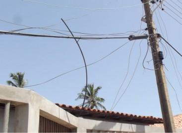 Moradores da Vila Cruzeiro estão há quinze dias sem telefone e internet