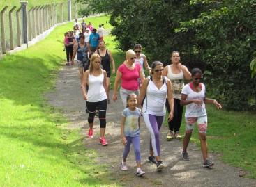 Fundo Social realiza Caminhada pela Valorização da Mulher