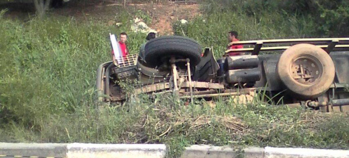 Motorista de caminhão de coleta de lixo morre em acidente no Jd. Virgínia