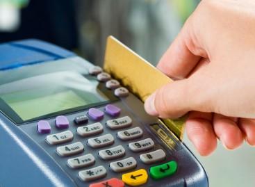 Medidas têm como objetivo incentivar maior utilização do cartão de débito, diz BC