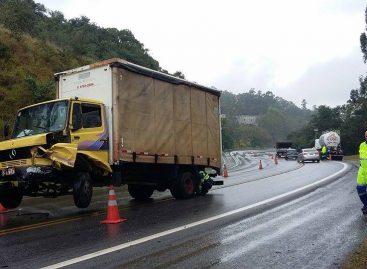 Chuva forte provoca colisão na Itatiba – Louveira na tarde desta quarta-feira (18)