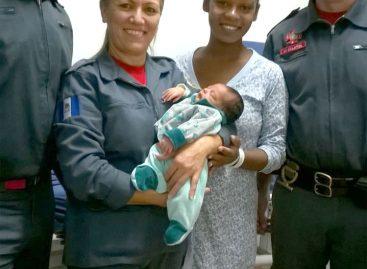 Bombeiros de Itatiba realizam parto dentro da unidade de resgate no último domingo (08)