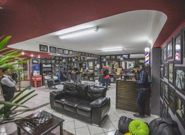 Com mercado masculino em alta, barbearia de Itatiba aposta em ambiente retrô e atendimento diferenciado