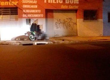 Motociclista morre após bater contra parede, no Jd. De Lucca