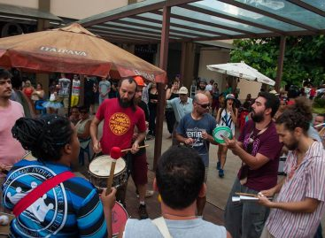 Bloco dos Desbocados fez a festa dos foliões na segunda-feira de Carnaval em Itatiba
