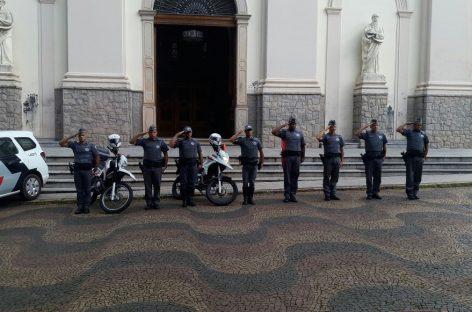 Policiais de Itatiba e Jundiaí prestam homenagem ao SD PM Erick, morto em ataque