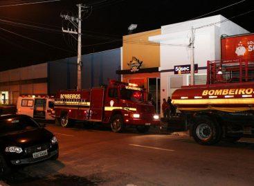 Bombeiros de Itatiba controlam incêndio em restaurante