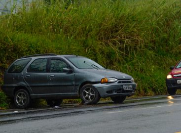 Motorista perde controle da direção na Itatiba-Bragança