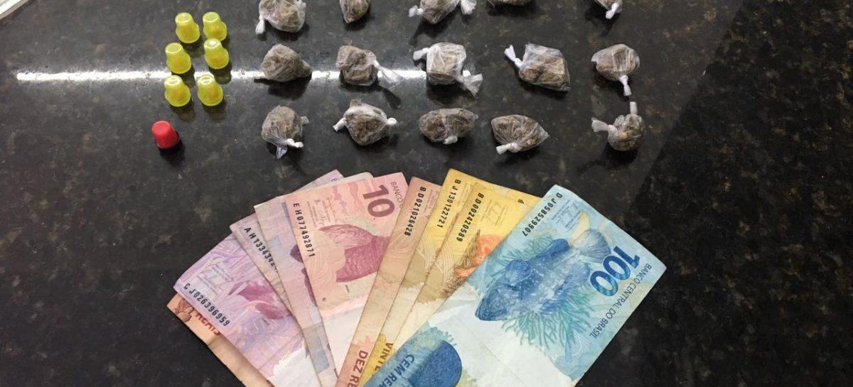 Dupla é presa pela Rocam por tráfico de drogas no San Francisco