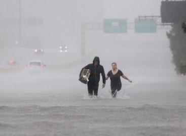 Harvey atinge Louisiana hoje, cinco dias depois de chegar ao Texas