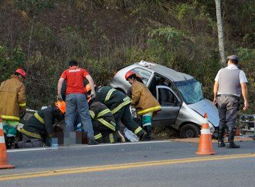 Duas pessoas morrem em acidente na Itatiba-Bragança