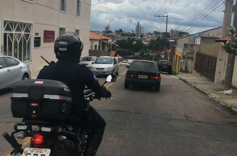 Homem procurado por furto em comércio é preso pela GM