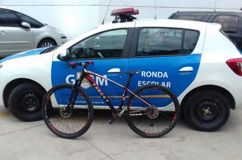 Com ajuda da população, Ronda Escolar devolve bicicleta furtada para vítima