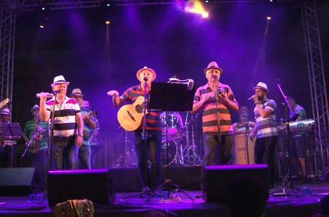 Ittalo Viana e Grupo Piracema animaram a noite de segunda-feira na Praça do Rosário