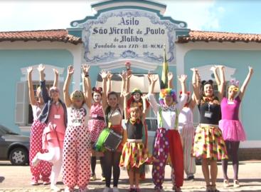 Turma da Alegria: Grupo leva amor e carinho aos idosos do Asilo São Vicente de Paulo