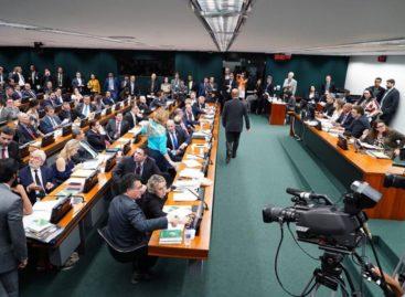 CCJ da Câmara debate parecer da reforma da Previdência