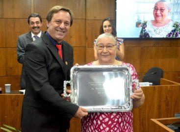 Câmara faz entrega do título de Extremada Mãe do Ano