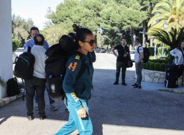 Seleção feminina já está em Portugal, onde treina para Copa da França