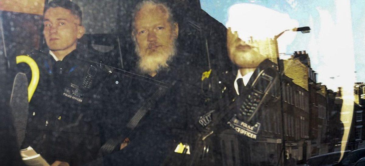 Governo britânico assina pedido de extradição de acusado de espionagem