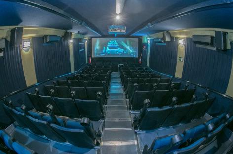 Parque da Juventude recebeu nesta semana um cinema móvel