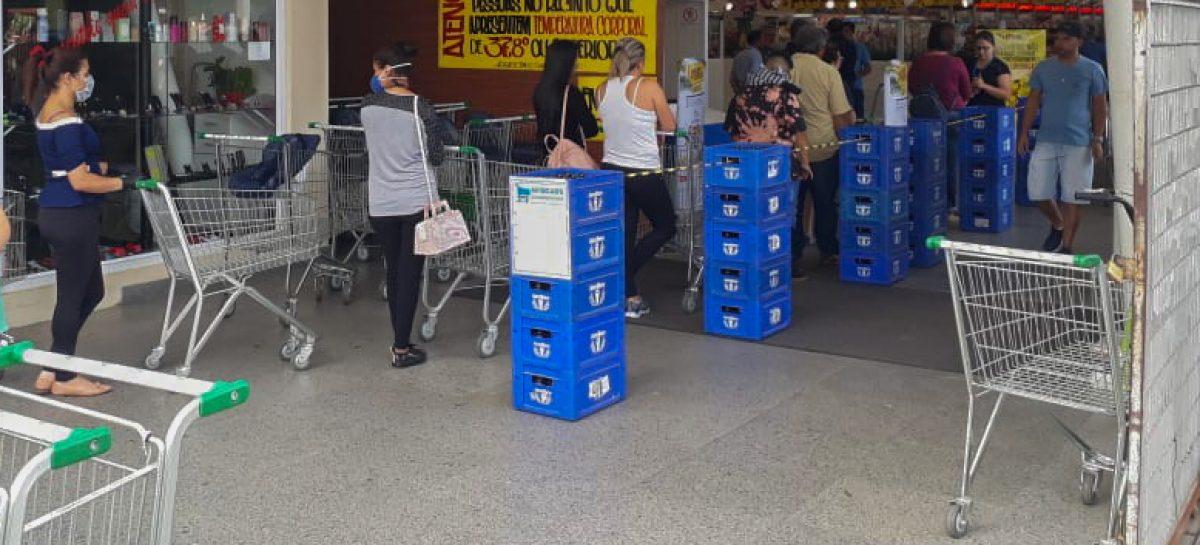 Supermercados em Itatiba limitam entrada e vendas de produtos aos clientes
