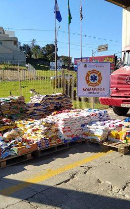 Corpo de Bombeiros de Itatiba arrecada mais de 3 toneladas de alimentos